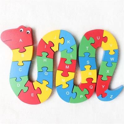 Деревянная змейка: алфавит, цифры